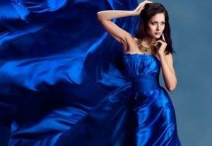 fa8cb6fb910a81 Фасони прямих суконь: з чим поєднувати модні прямі сукні в 2018-2019 рр .